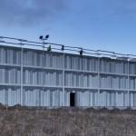 SHL Arkitekter i Århus sætter nye rammer for kunstnerisk udsmykning af fremtidens betonbyggerier med nyt Rigsarkiv i Viborg, hvor 72 kilometer arkivreoler 'pakkes ind' bag Confac-facader i grafisk beton, der står som et samlet kunstværk skabt af koldingkunstneren Grete Sørensen.